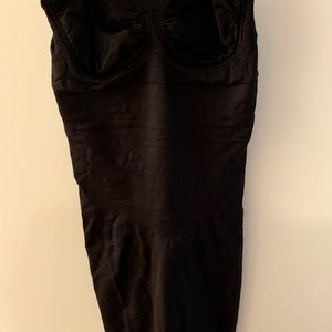 NWOT Spanx fitted dress slip